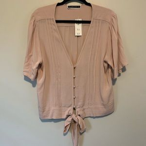 Women's NWT Abercrombie pink tie front blouse
